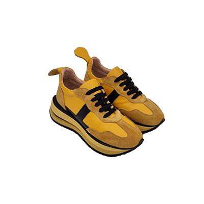 נעל ספורט מעוצבת